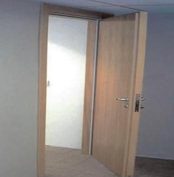 Instalação de porta acústica