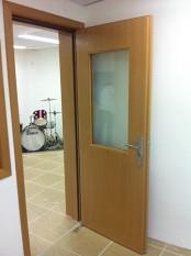 Isolamento acústico porta