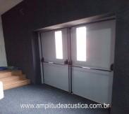 Porta acústica industrial