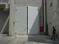 Porta acústica metálica